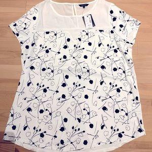 Women's Extended sleeve Floral dress shirt-sz L